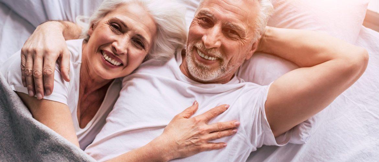 senior-couple-4723737_1920